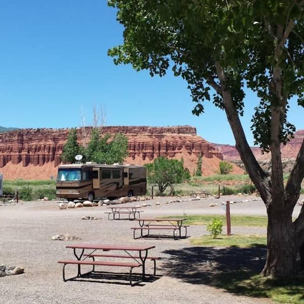 Thousand Lakes RV Park, camperplaats met uitzicht