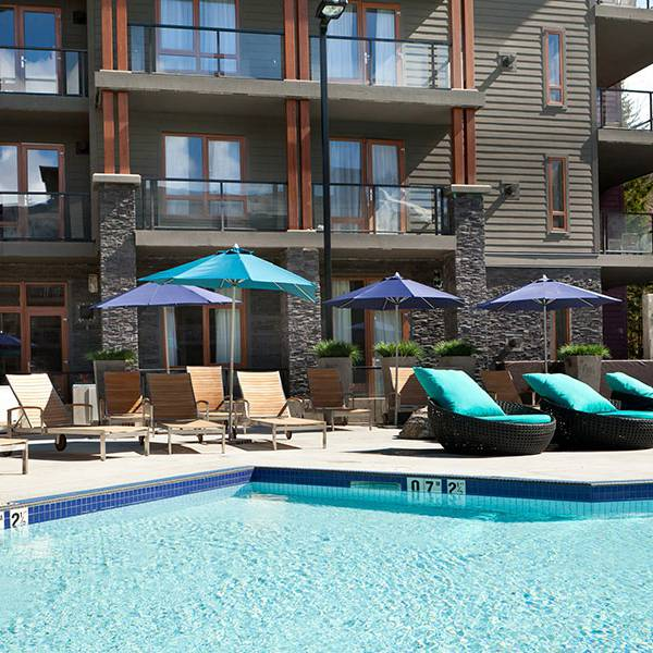 Sutton Place Revelstoke - pool