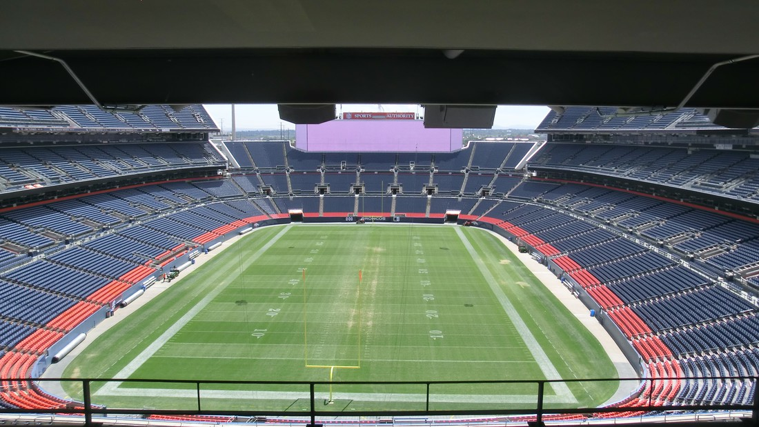 Mile High Stadium, Denver
